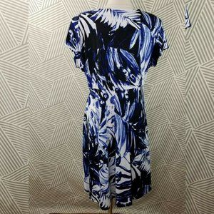 NorthStyle Dresses - NorthStyle Floral Dress Size 18 1X slinky stretch